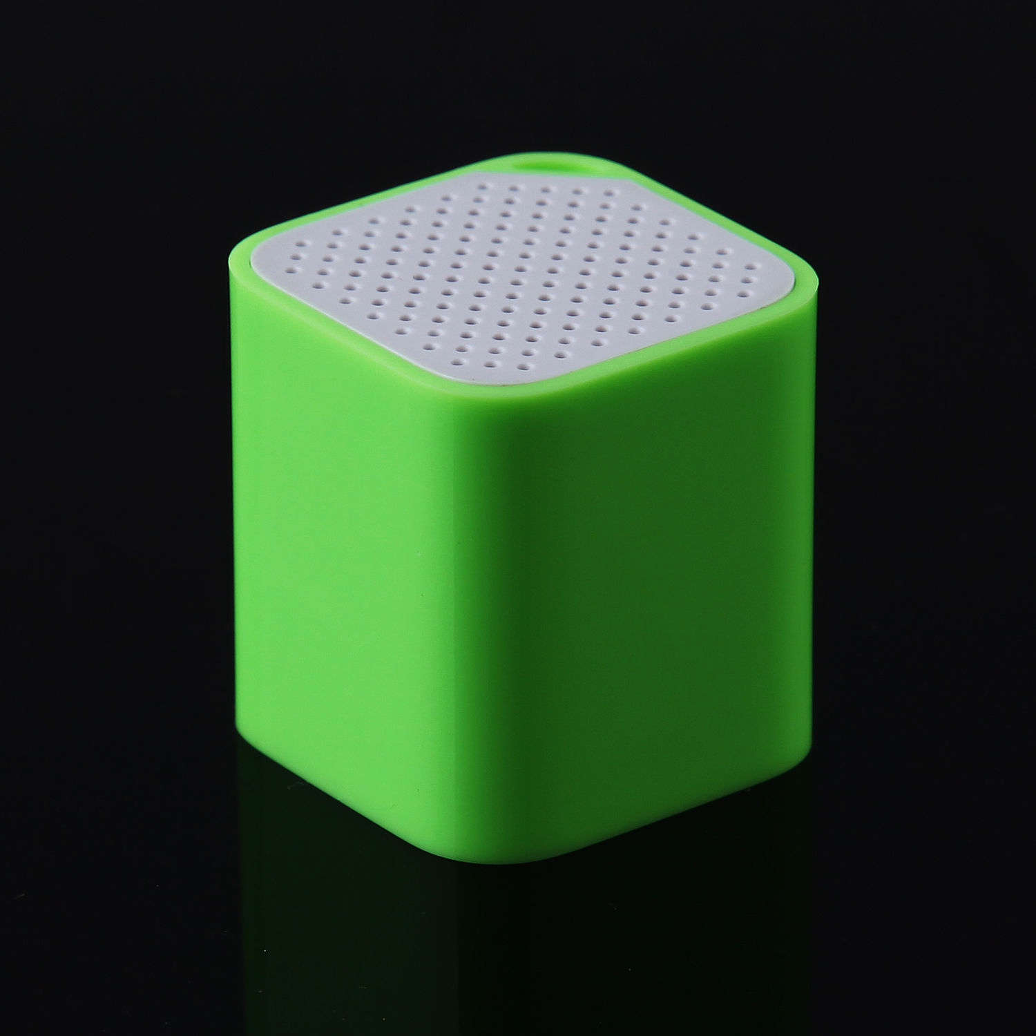 Bluetooth Speaker Music Player with Anti-Lost Camera Remote Shutter Function Green